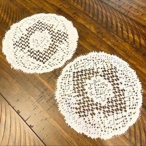 𝚅𝚒𝚗𝚝𝚊𝚐𝚎 Set Farmhouse Crochet Doilies